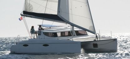 Location Catamaran Fountaine Pajot Mahe 36 Ajaccio