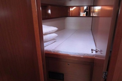 Hire Sailboat BENETEAU 54 Athens