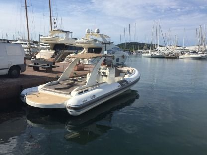 Location Semi-rigide Wimbi Boats W9I Grimaud