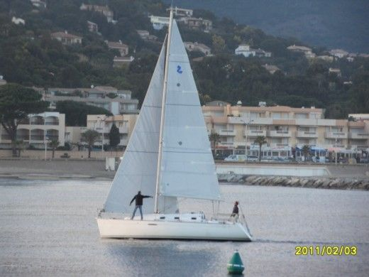 Beneteau First 31.7 in Cavalaire-sur-Mer for hire