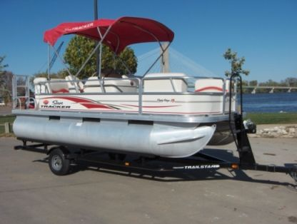 Rental Motorboat Suntracker Party Barge Twin Lakes