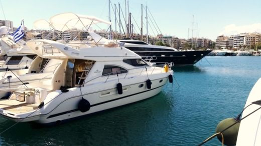 Cranchi Atlantique 40 in Athens peer-to-peer