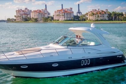 Hire Motorboat Cruiser Yachts Express Miami