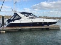 Rental motorboat in Southampton