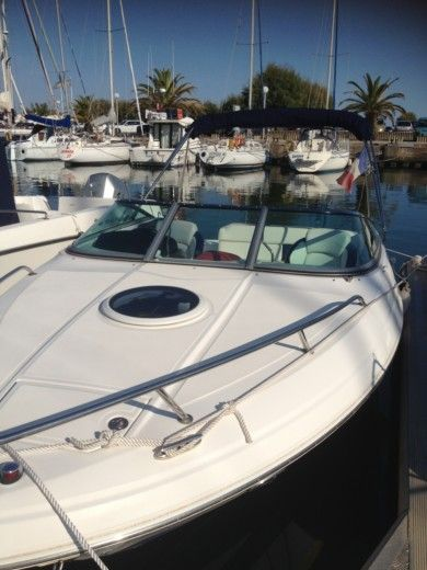 REGAL 2250 CUDDY in La Grande-Motte peer-to-peer