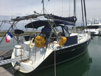 Rental Sailboat Beneteau Oceanis Clipper 393 Venice