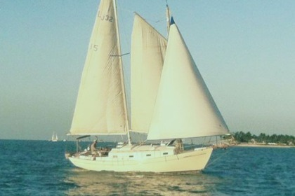 Rental Sailboat Lazy jack schooner 32 Key West
