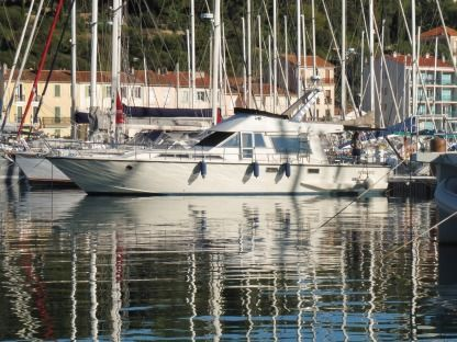 Charter Motorboat Guy Couach 1401 Toulon