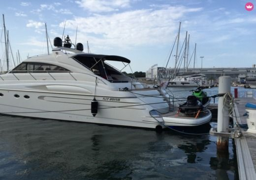 Princess V65 in Empuriabrava zu vermieten