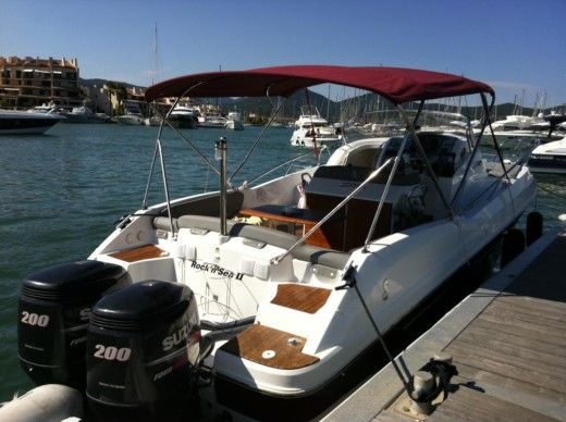 Motorboat BENETEAU FLYER 850 SD for hire