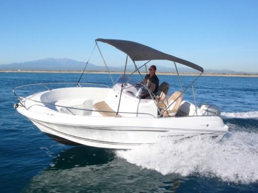 Jeanneau Cap Camarat 6.50 in Canet-en-Roussillon for hire