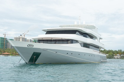 Rental Motor yacht Custom Made 34M Malé