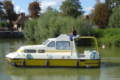 Charter Houseboat Les Canalous TRITON 860 Fly (Carcassonne) Carcassonne
