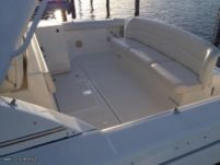 Motorboat Tiara 3500 Express