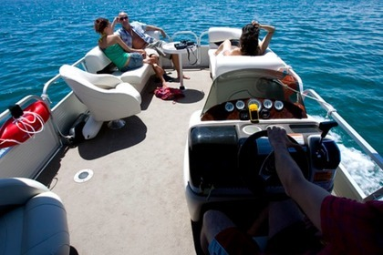 Rental Motorboat Pantoon Sunchaser FA Faro