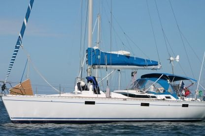 Charter Sailboat Beneteau Oceanis 430 Cherbourg