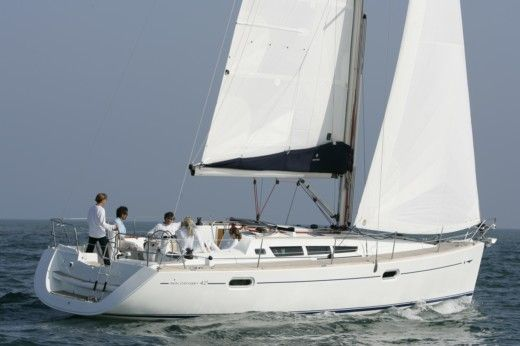 Jeanneau Sun Odyssey 42i in Hyères for hire