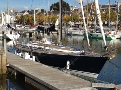 Rental Sailboat Grand Soleil 43 Vannes