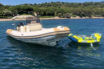 Location Semi-rigide Zodiac Club 750 Saint-Tropez