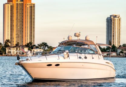 Rental Motorboat Sea Ray Sundancer 42 Aventura