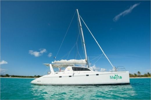 Charter catamaran in Marigot