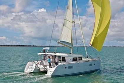 Location Catamaran LAGOON 400 Grimaud