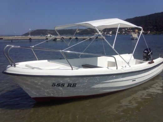 Motorboat Mlaka Sport Adria 500 for rental