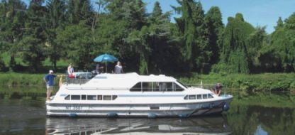 Rental Houseboat Peniche Crusader Carrick-On-Shannon