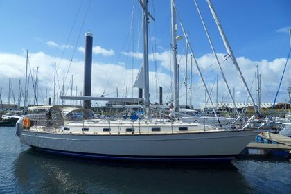 Charter Sailboat Island Packet 46 Miami