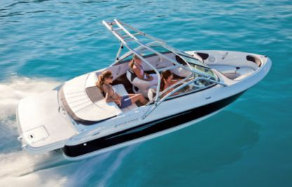 Charter Motorboat Four Winns 180 Horizon Lake Geneva
