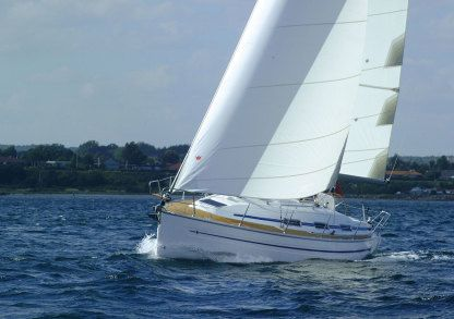Rental Sailboat Bavaria Bavaria 32 Sporades