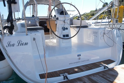 Hire Sailboat BAVARIA CRUISER 33 Primošten