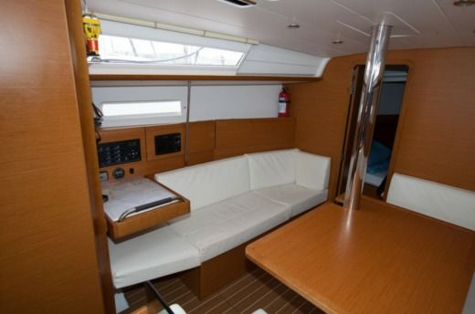 Jeanneau Sun Odyssey 379 in Palma for rental