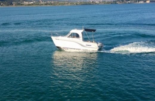 Motorboat Beneteau Antares 650 for rental