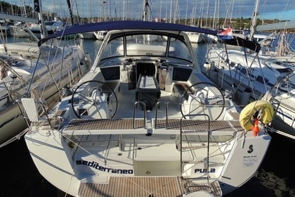 Hire Sailboat BENETEAU OCEANIS 45 Medulin