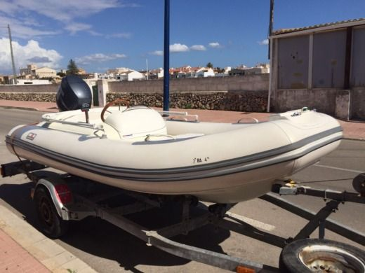 Avon 5.5 in Menorca for hire