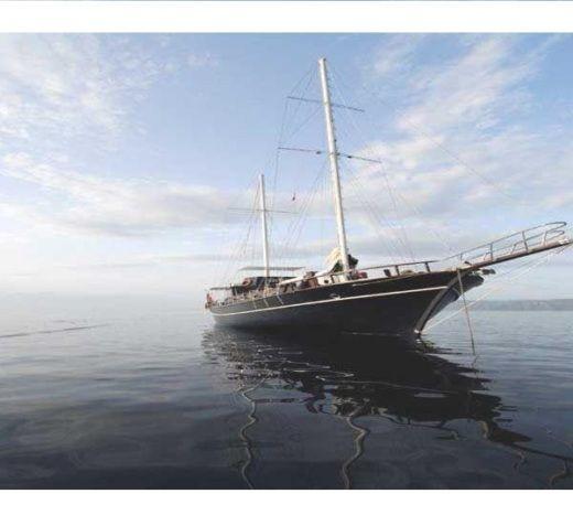 Noleggio veliero 18m a castellammare di stabia click boat for Noleggio di grandi cabine ca