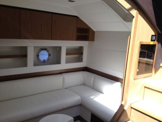 Motorboat BENETEAU GRAN TURISMO GT 49 FLY for hire