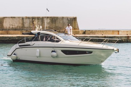 Rental Motorboat AZIMUT Atlatis 34 Saint Julian's