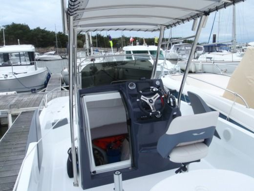 Motorboat BENETEAU FLYER 6.6 peer-to-peer