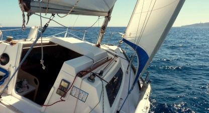Rental Sailboat Kelt 7.60 Q Saint-Cyprien