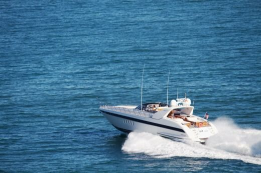 Charter motorboat in Palma de Majorque peer-to-peer