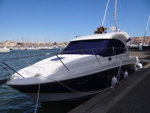 Motorboat Beneteau Antares 30S for hire