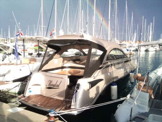 Grginic Yachting Mirakul 30 Hardtop in Biograd na Moru for hire