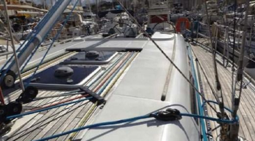 Dufour 45 Performance in Malta peer-to-peer