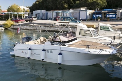 Rental Motorboat Atlantic Marine 655 Sun Cruiser Pula