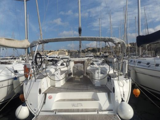 BAVARIA 45 Cruiser in Malte for hire