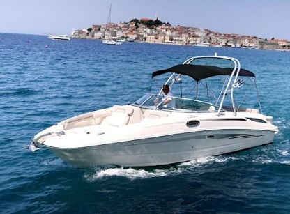 Verhuur Motorboot Searay Sundeck 280 Primošten