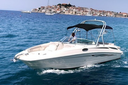 Hire Motorboat Searay Sundeck 280 Primošten