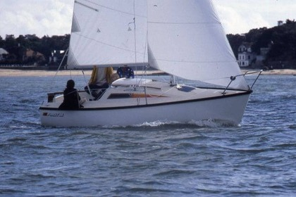 Hire Sailboat BENETEAU First 18 QR Saint-Étienne